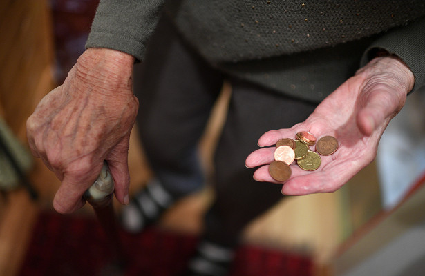 Россияне назвали оптимальный размер пенсии