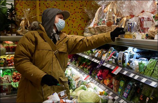 Россияне на9% сократили траты перед Новым годом