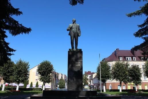 ВГусеве рядом спамятником Ленину планируют поставить скульптуры ангела игенерала Епанчина