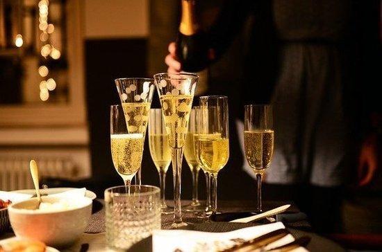 ВМинздраве рассказали, можно лиупотреблять пожилым людям шампанское