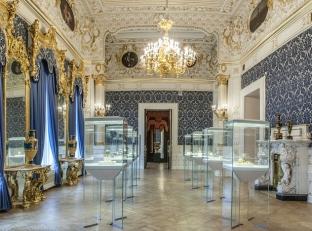 Выставка шедевров современного ювелирного искусства