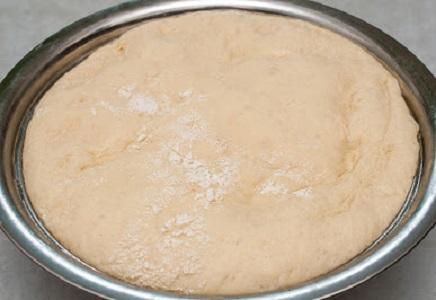 Быстрое тесто на пиццу с сухими дрожжами рецепт с фото
