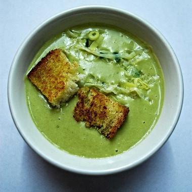 Рецепт Гороховый крем-суп слуком-пореем икрутонами