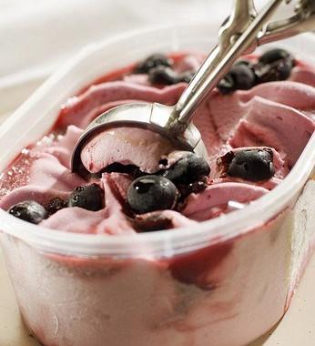 Рецепт Быстрое черничное мороженое