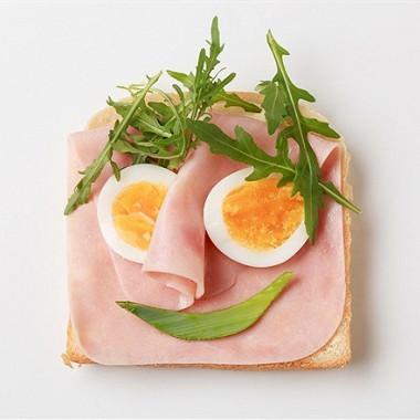 Рецепт Бутерброд светчиной ияйцом