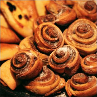 Рецепт Классические булочки синнабон скорицей