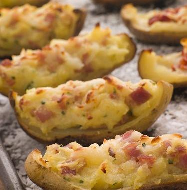 Рецепт Печеные половинки картофеля сначинкой изсыра, ветчины изеленого лука
