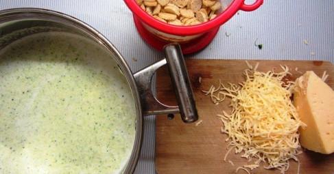 Суп-пюре из цветной капусты с пармезаном. Рецепт