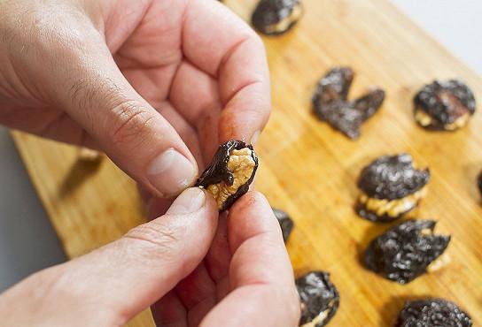 чернослив в сметане с орехами рецепт пошагово с фото