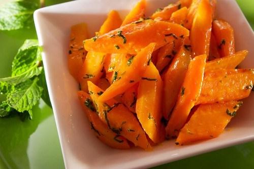 Карамелизованная морковь в кленовом сиропе