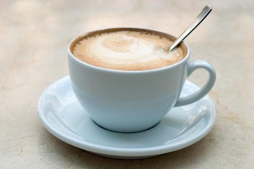 Кофе с горячим молоком