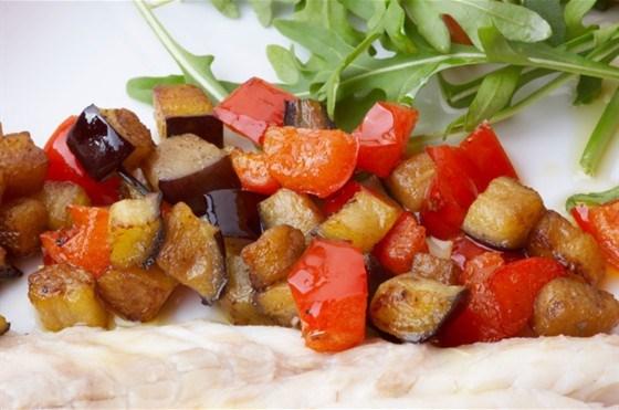 Тунисский баклажанный салат