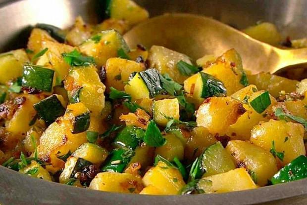 Рагу из картофеля и цукини