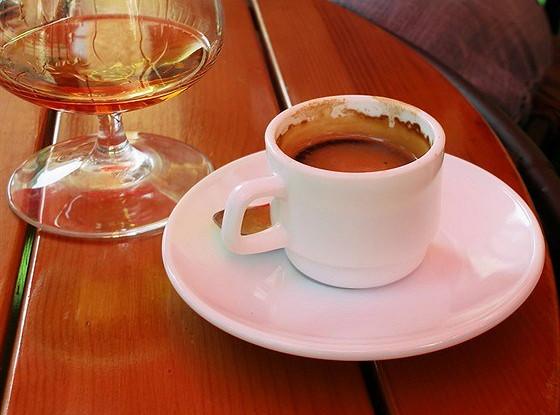Холодный кофе с бренди