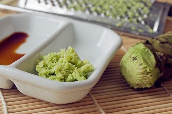 Соус-крем из хрена с зеленью