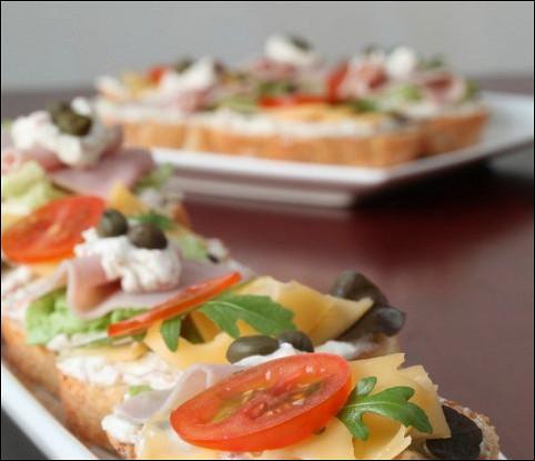 Бутерброд с сыром и редькой