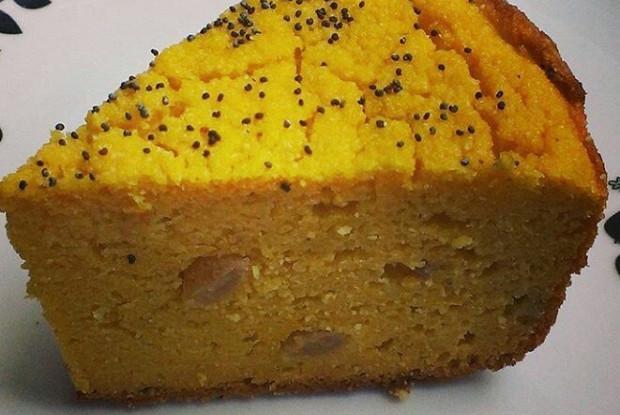 Тыквенно-кукурузный пирог с изюмом