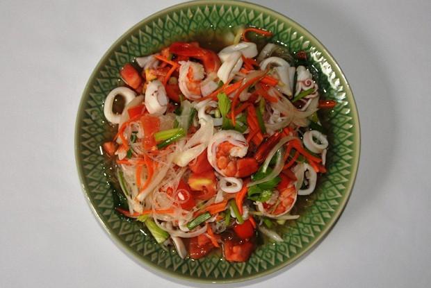 Салат тайский с морепродуктами рецепт