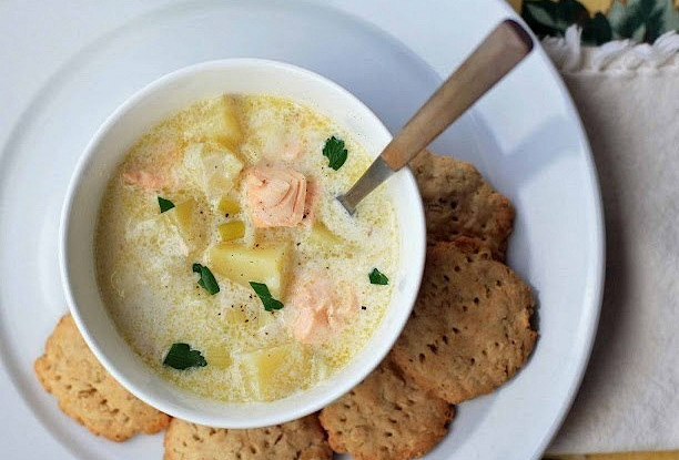 Крем суп с лососем и сливками