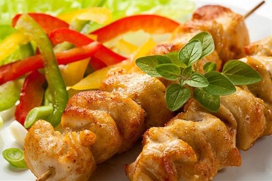 Жареные куриные шашлыки в соусе якитори