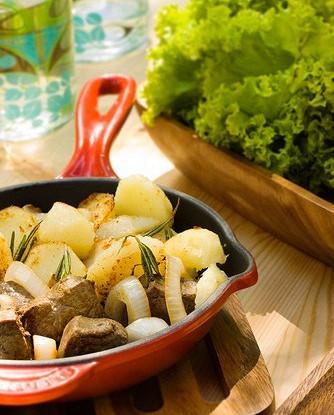 Картофель с огуречной травой