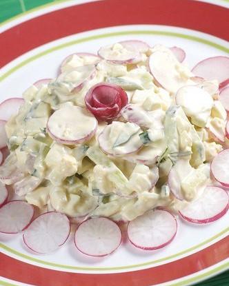 Салат с сыром и зеленью