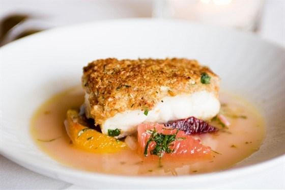 Рыба, запеченная в соляном тесте
