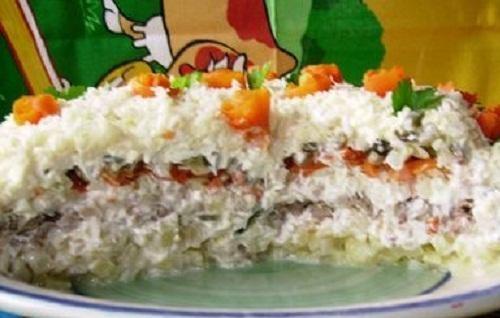 Салат с огурцом и морковью