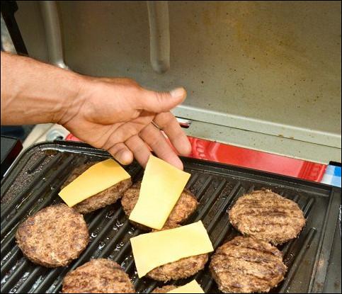 Гамбургеры с сыром