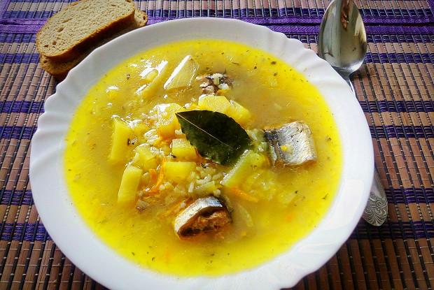 Суп из сайры консервированной с томатной пастой 9