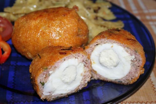 Котлеты, фаршированные яйцом