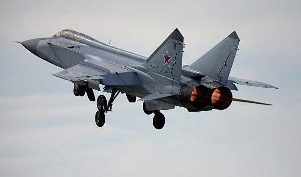 МиГ-31«перехватили ракеты» внебе надУралом