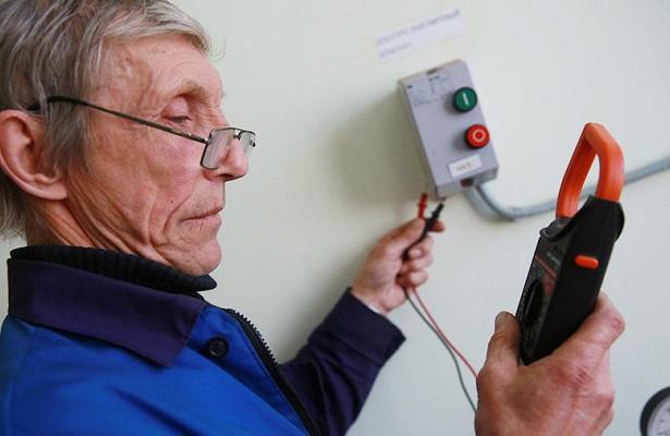 Эксперт перечислил варианты повышения пенсий работающим