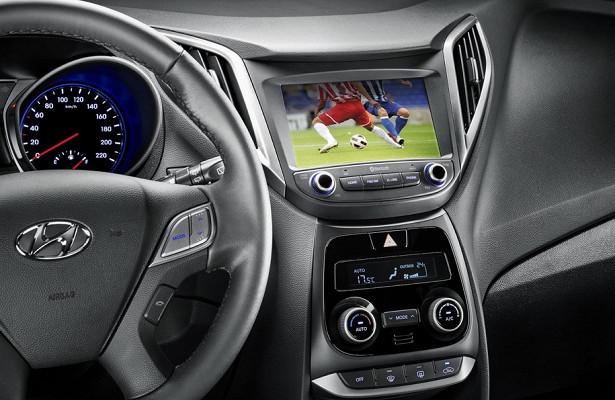 Маленький бюджетный Hyundai оснастили телевизором