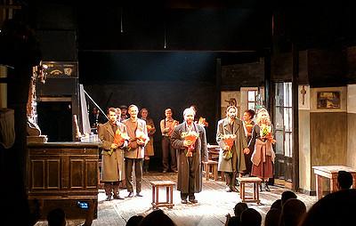 «Сиротливый запад» московского драмтеатра Джигарханяна открыл фестиваль Макдонаха вПерми