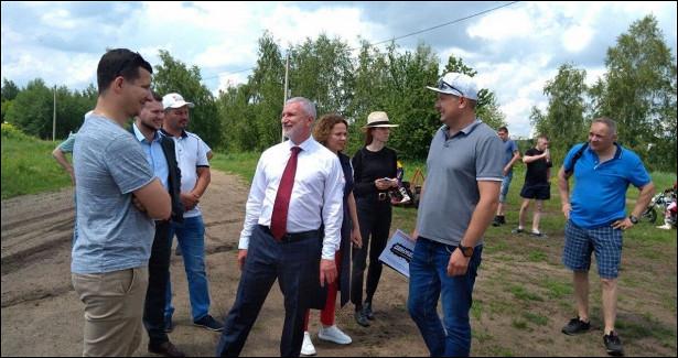 Жители Липецка пожаловались депутату Журавлеву наотсутствие информации опрививках