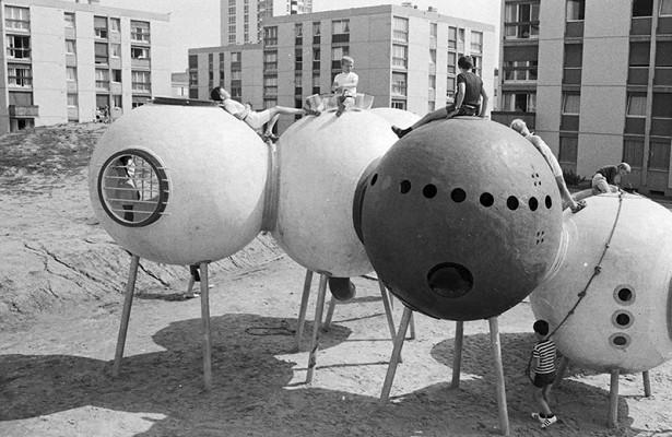 12самых странных, необычных ифантастических детских площадок совсего мира