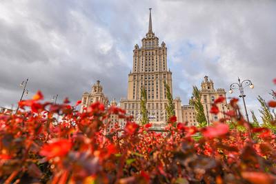 Интерьеры гостиницы «Украина»: марокканская спальня иМосква вминиатюре