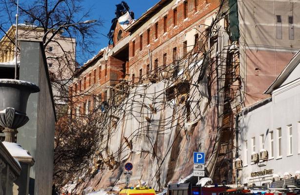 Восстановлено движение научастке обрушения лесов вМоскве