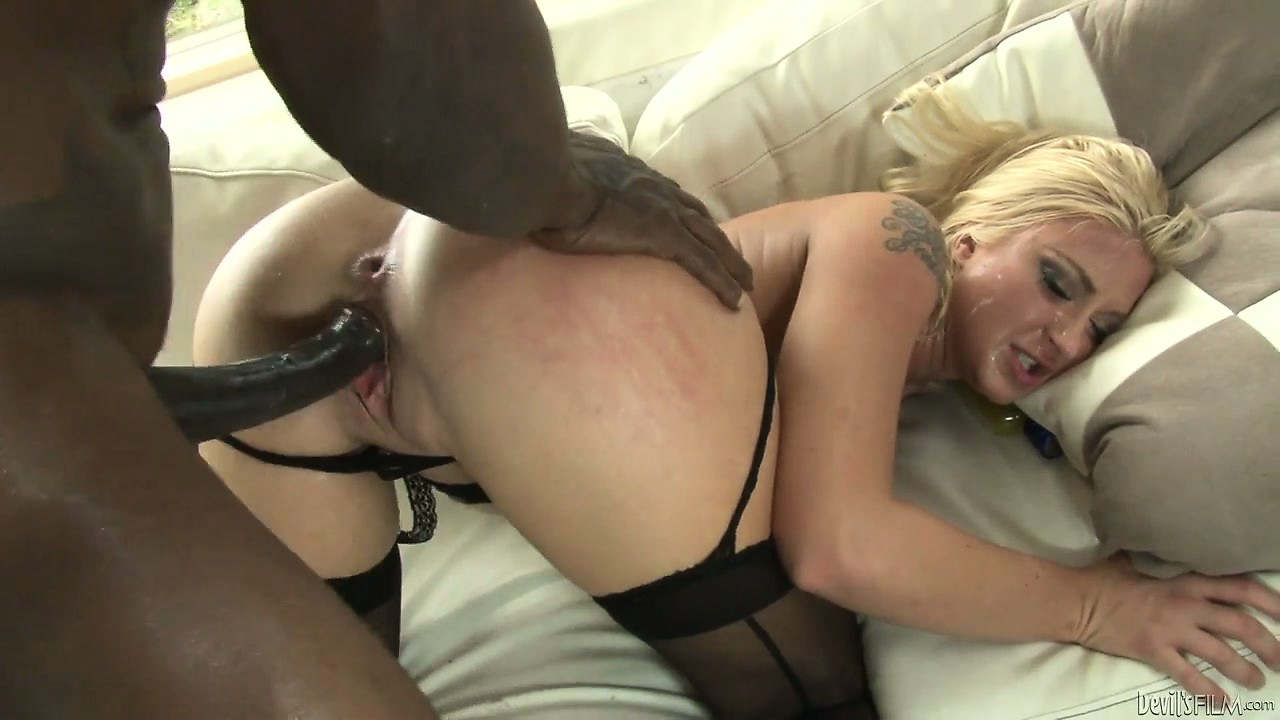 Wife gives black blowjob