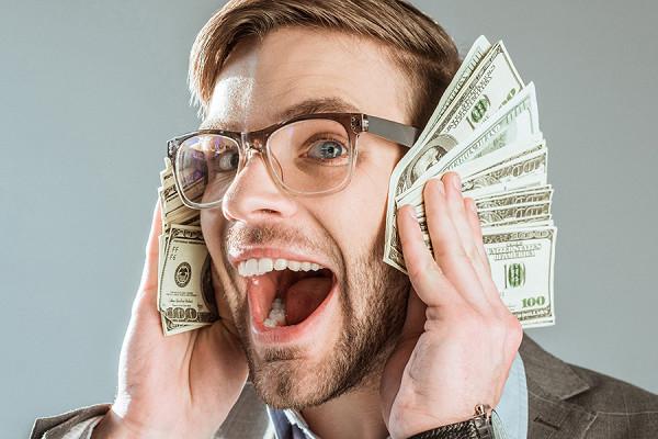 Российские корпорации ринулись в валюту